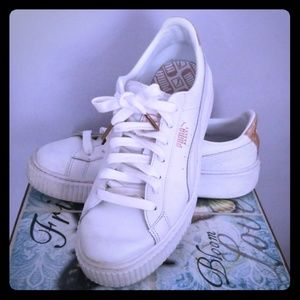 White leather Puma sneakers